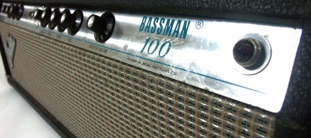 Hier seht ihr einen Fender Bassman 100 silverface aus den frühen 70er Jahren. Der Amp ist im Originalzustand und wie üblich in den 70ern bei Fender in Handarbeit point-to-point verdrahtet. […]