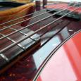Squier by Fender JV (Japan Vintage) Precision Bass in seltenem Fiesta Red. Es ist einer aus der ersten Serie die nur von 1982-1984 gebaut wurde. Es ist eine 1:1 Kopie […]