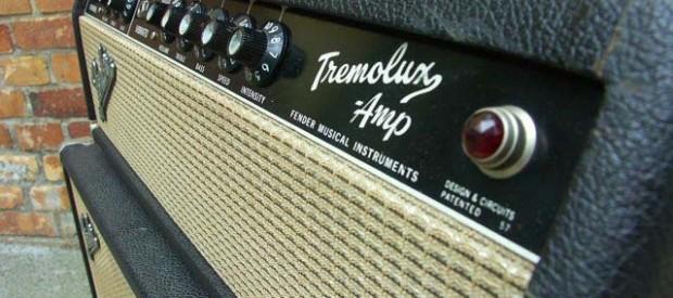 """Ein Fender Tremolux blackface aus den 60ern ist heutzutage in diesem Zustand nicht mehr oft zu sehen. Das Baujahr ist genau November 1965, was die Buchstaben """"OK"""" auf dem Tube […]"""