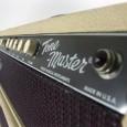 """Sehen sie hier ein Fender Tonemaster Custom Shop point to point verdrahtetes blond Topteil. Das Baujahr ist exakt August 1999, was die Buchstaben """"JH"""" auf dem Quality Assurance Sticker belegen. […]"""