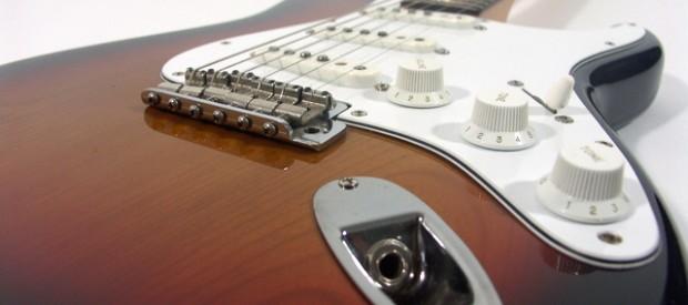 Hier wird eine Squier by Fender JV (Japan Vintage) Stratocaster aus dem ersten Produktionsjahr 1982 aus Japan vorgestellt. Sie hat eine sehr frühe Seriennummer beginnend mit JV1xxxx. Sie ist in […]