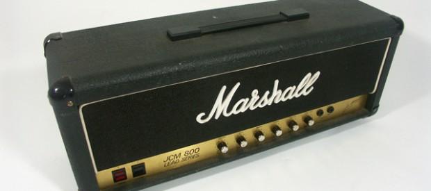 Ein Marshall JCM800 Modell 2204 Topteil aus den guten alten 80ern. Es hat 50Watt Vollröhrenpower und kann aufgrund dessen auch im Proberaum und auf Clubbühnen mal in die Endstufensättigung getrieben […]
